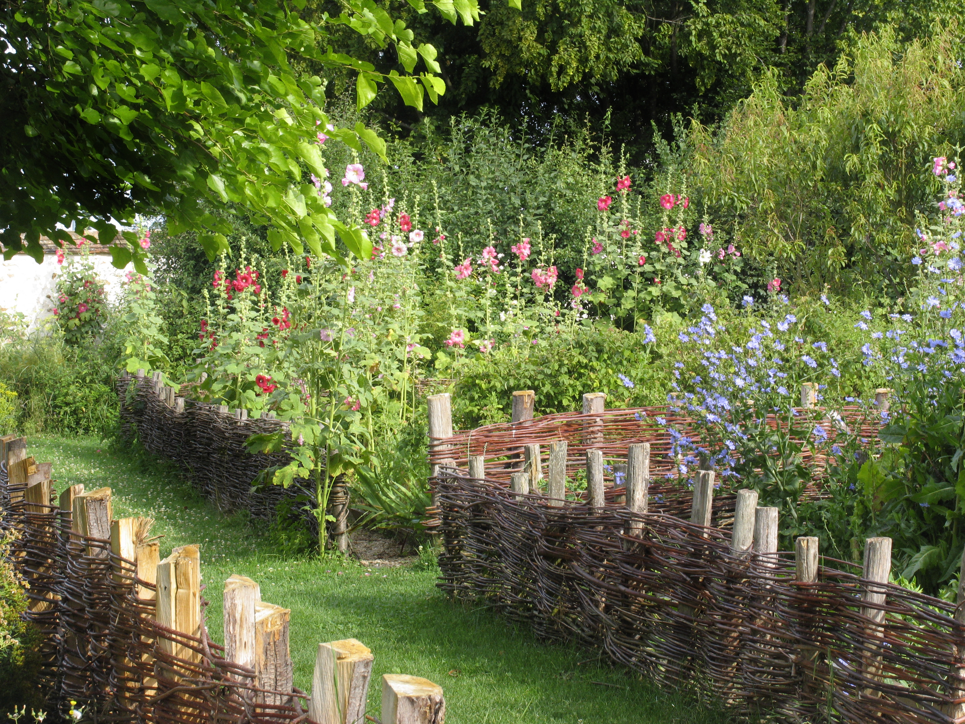 Coulommiers Medieval Garden