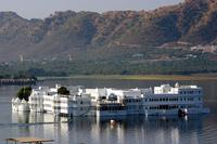 Medium udaipur lake palace 2124 jpg original