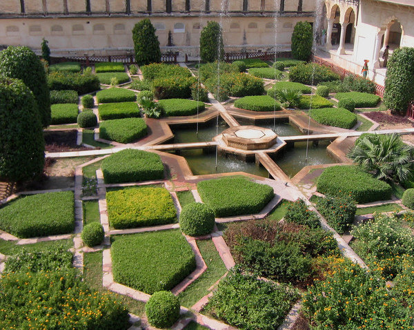 Amber palace jaipur for Garden designs in india