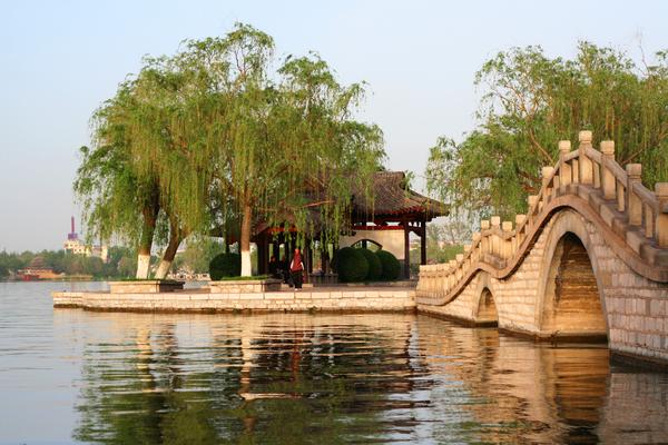 Daming Lake (Great Brightness Lake) Gardenvisit.com