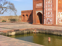 Medium akbars tomb garden at sikandra 2275 jpg original