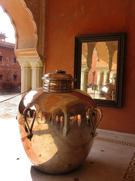 Jaipur City Palace Gardenvisit.com