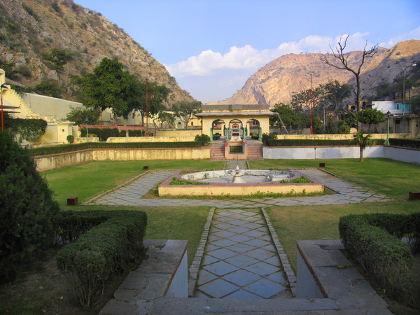 Sisodia Rani Ka Bagh Gardenvisit.com