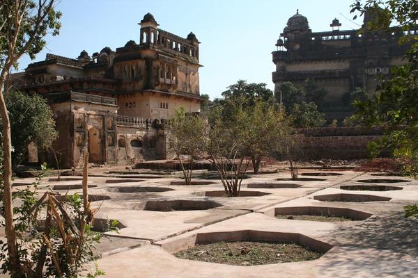 Orchha Palace Gardens Gardenvisit.com