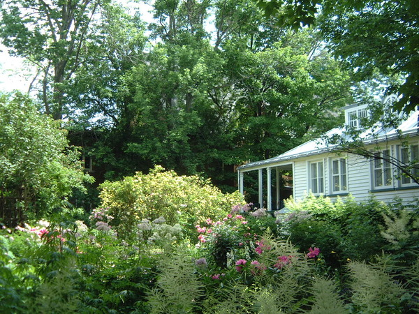 Henry Stuart Garden Jardin de la Maison Henry-Stuart