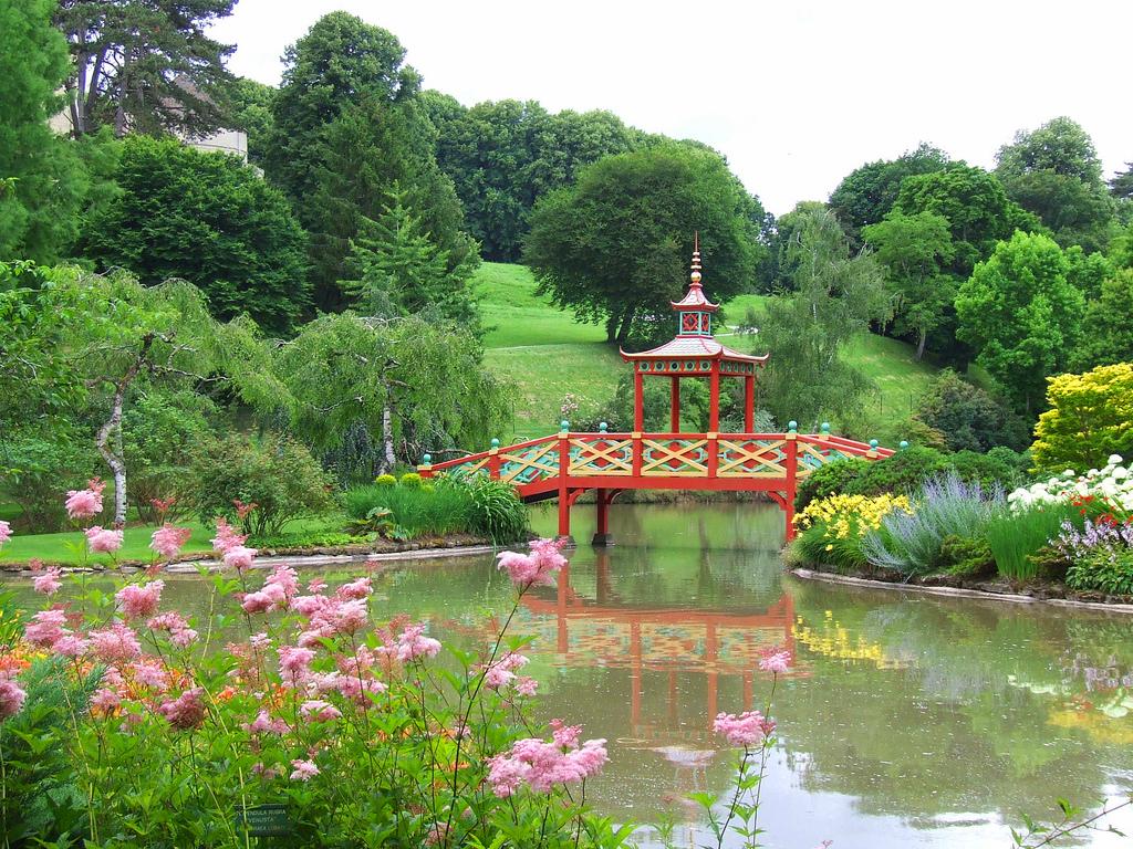 Parc floral d 39 apremont for Apremont sur allier jardin