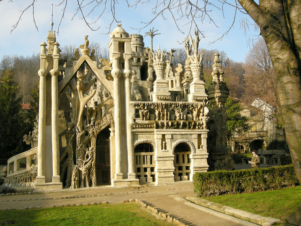 Le Palais Idéal Du Facteur Cheval Christiane Bettens