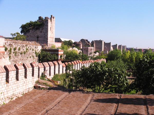 Walls of Constantinople Gardenvisit.com