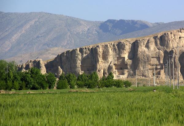 Naqsh-e-Rustam Gardenvisit.com