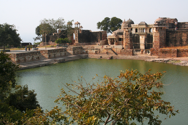 Chittorgarh Fort Gardens Gardenvisit.com