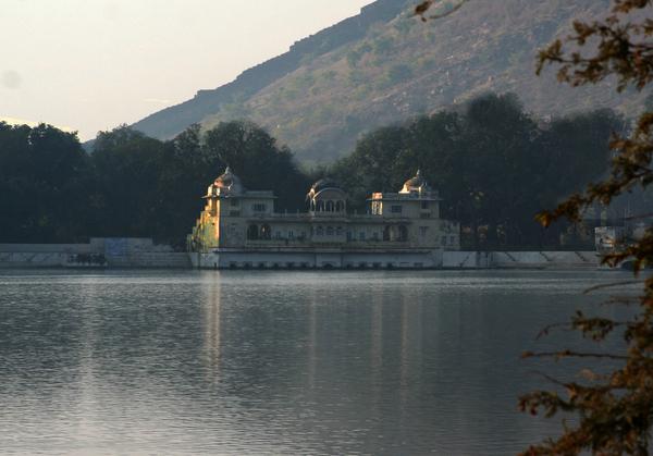 Sukh Mahal Gardenvisit.com