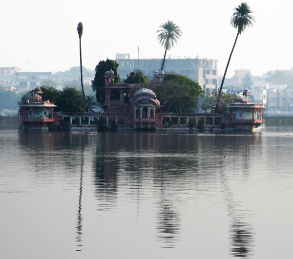 Jagmandir, Kota Gardenvisit.com