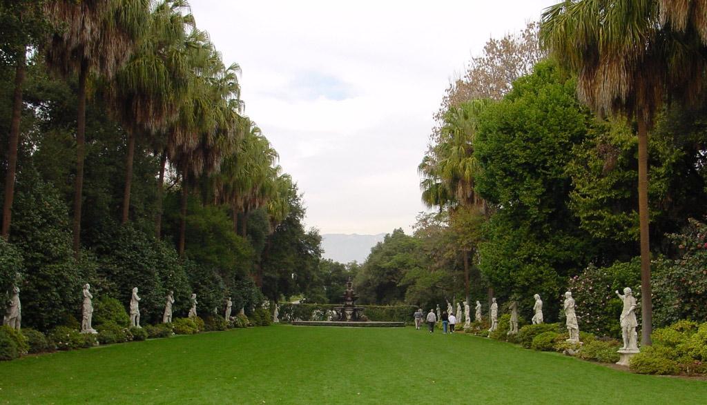 Statues, Huntington Botanical Gardens