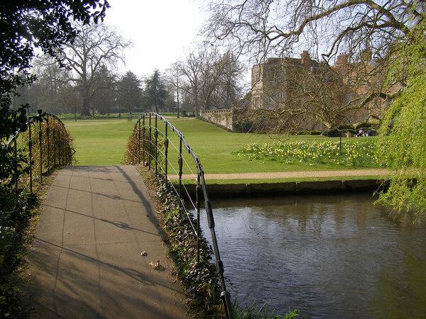 Mottisfont Abbey Garden, Spring 2009