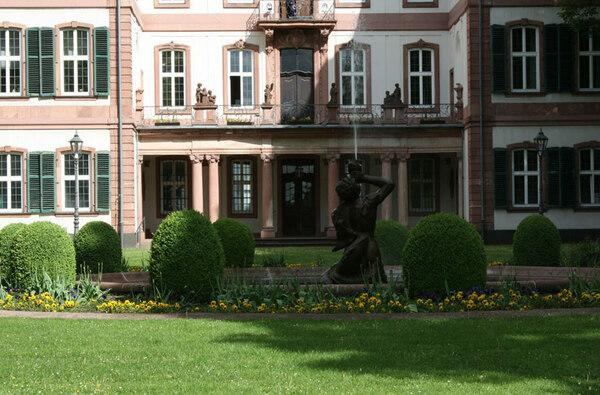 Bolongaro Palace Garden