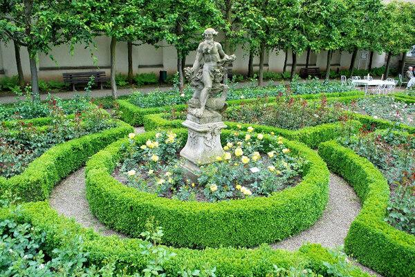Jupiter, Bamberg Rose Garden