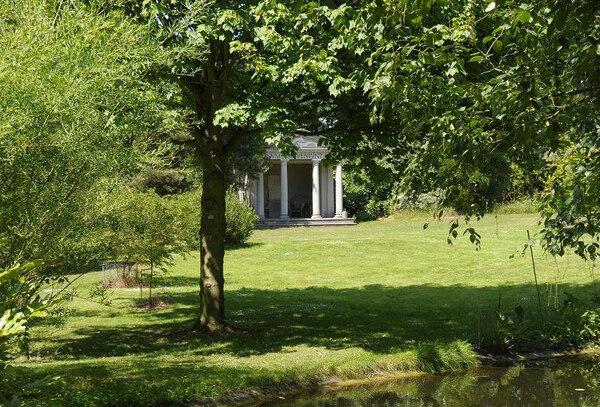 Temple of Pisces, Saling Hall Garden