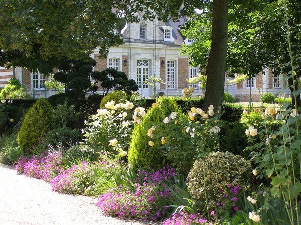 Jardins de Maizicourt, Summer