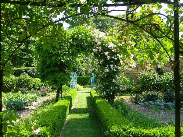 Arch, Jardins de Maizicourt