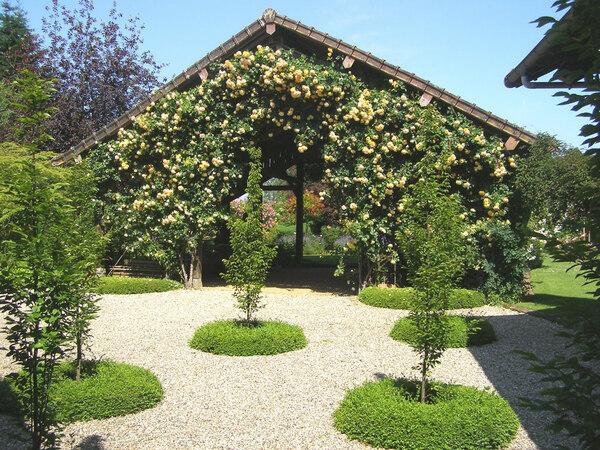 Jardin Floral du Chateau de Digeon, France
