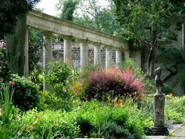 Peto Garden, Wiltshire