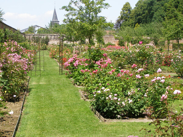 Chateau de Rambures Garden