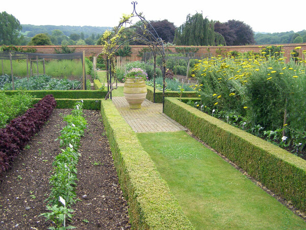 Walled Garden, Titsey Place