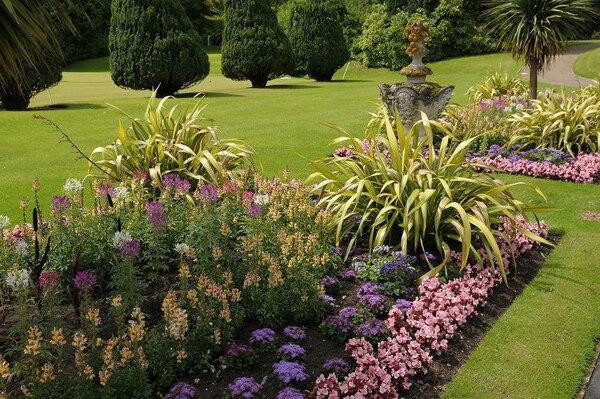 Dyffryn Botanic Garden, Summer