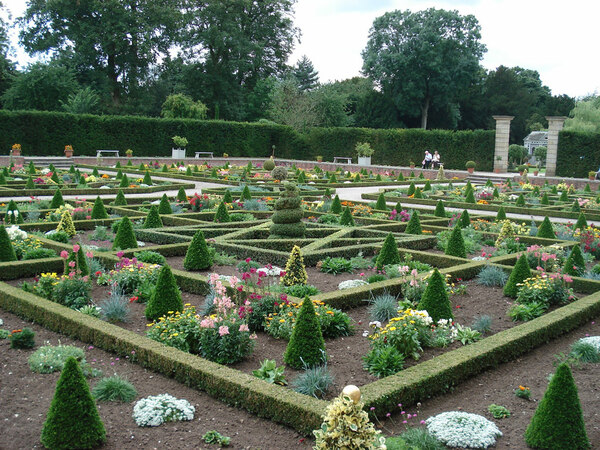 Parterre, Hanbury Hall Garden