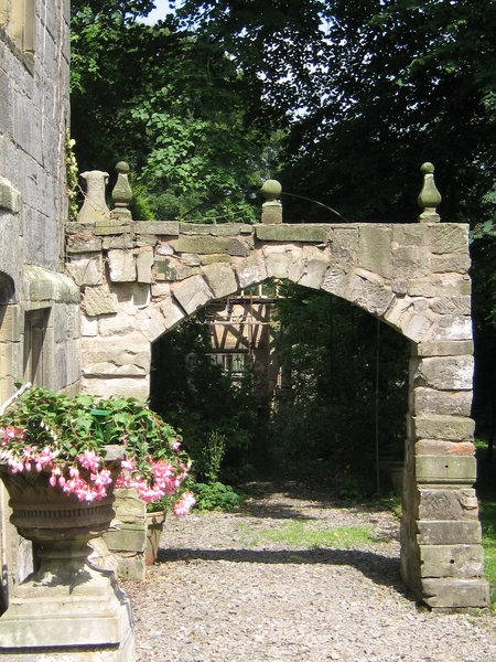 Arch, Plas Teg