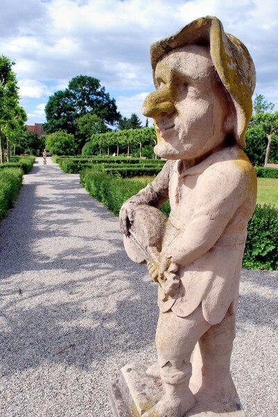 Dwarf Statue, Schloss Neunhof