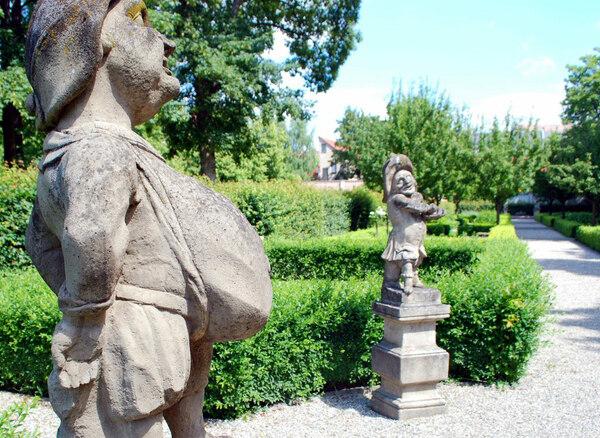 Statues, Hesperidengärten