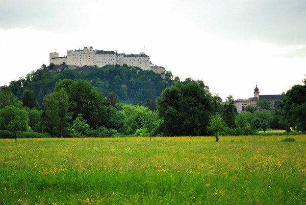 Hellbrunner Allee, Salzburg
