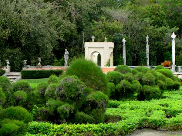 Vizcaya Gardens, February