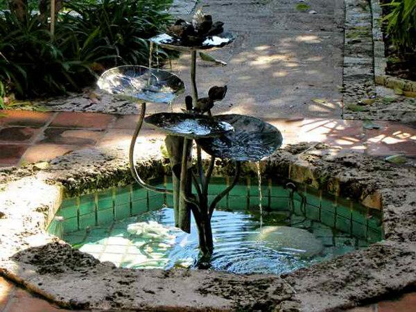 Fountain, The Kampong