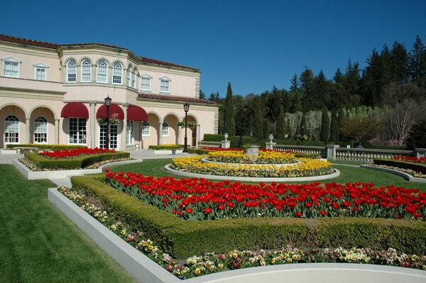 Ferrari-Carano Gardens, Spring