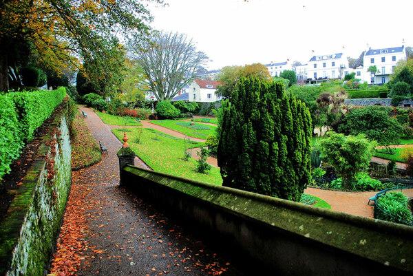 Candie Gardens, November