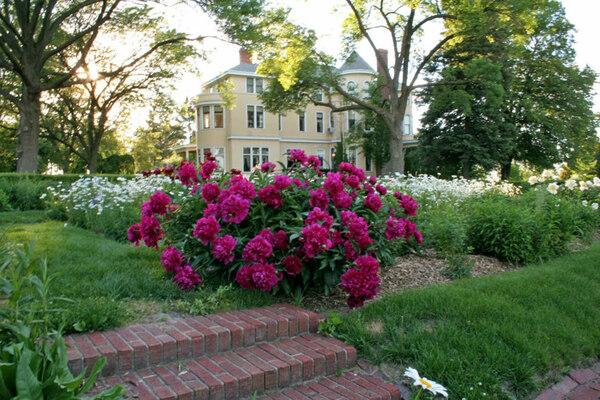 Deere-Wiman Garden, Illinois