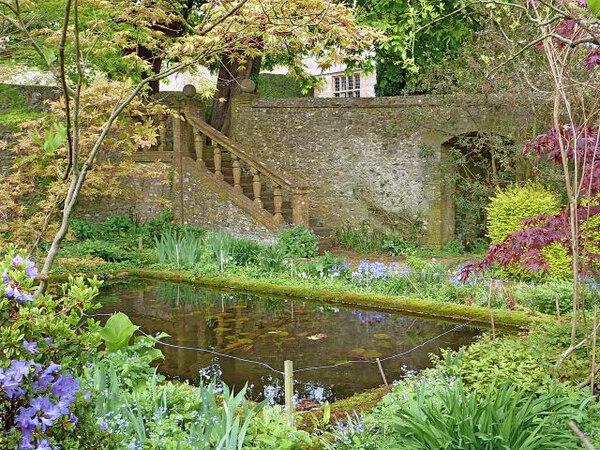 Wayford Manor, Spring
