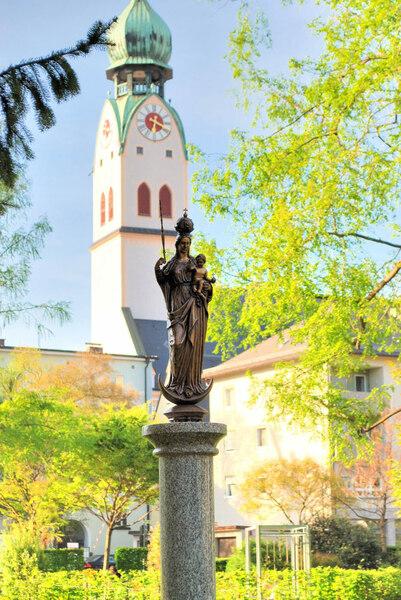 Statue, Riedergarten