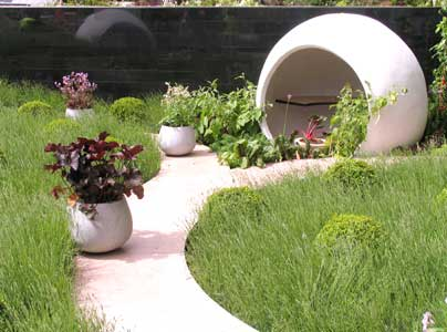 Garden designs at the rhs chelsea flower show 2005 for Bbc garden designs