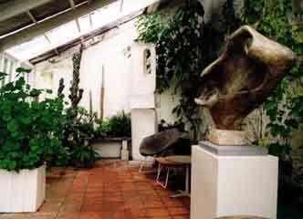Barbara hepworth garden1