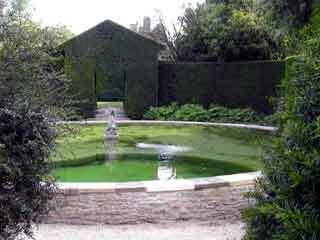 Hidcote garden1