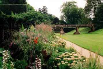 Eltham palace garden2
