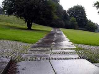 Kennedy memorial garden1