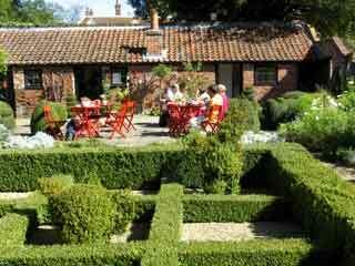 West green garden2