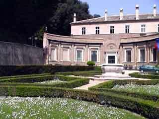 Villa madama garden2
