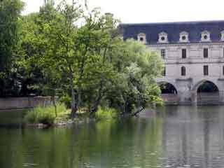 Chenonceau garden1