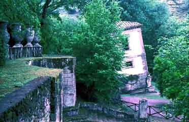 Bomarzo garden1