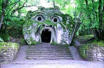 Bomarzo garden2